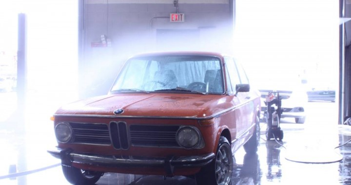 BMW 2002 Inka Gets a Cleanup