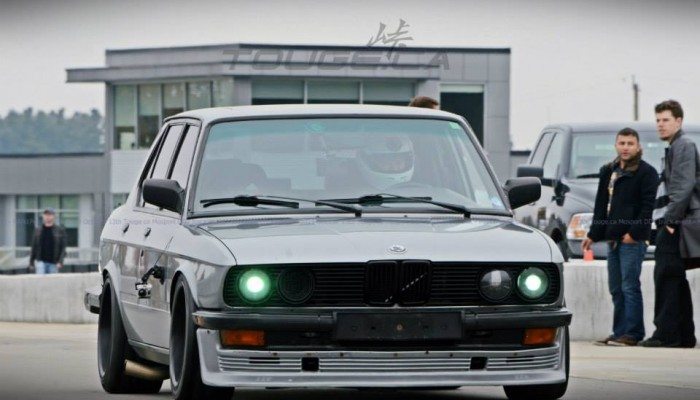 BMW E38 535i at the Track